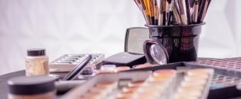 Niezbędne produkty do makijażu