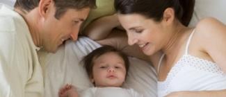 Jak zmienia się życie w związku gdy pojawia się dziecko - czy to koniec namiętności?