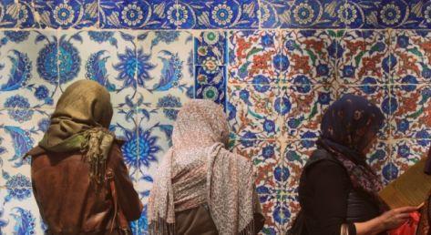 Jak zwiedzać Stambuł jako biała, europejska kobieta?