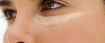 Podkład - podstawa perfekcyjnego makijażu. Idealny podkład na lato