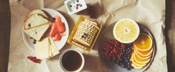 Śniadanie - dlaczego to najważniejszy posiłek dnia. Co powinniśmy jeść? Posłuchaj dietetyka!