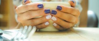 Zalety i wady manicure hybrydowego