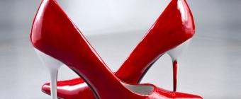 Czerwone szpilki - podpowiadamy jak je nosić