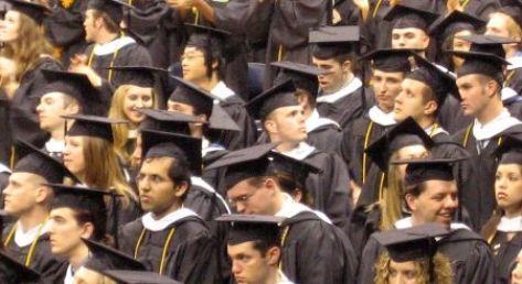 Czy uczelnie wyższe muszą kształcić bezrobotnych