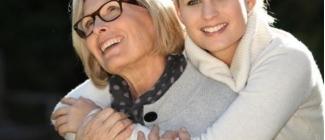 Archetyp przyjaźni, czyli o relacjach matki z córką. Jak z biegiem lat zmieniają się potrzeby, oczekiwania, obowiązki względem siebie  - CZ.1