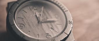Zegarki z drewna modowym hitem