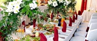 Muzyka, jedzenie i alkohol czyli to, co na przyjęciu weselnym najważniejsze